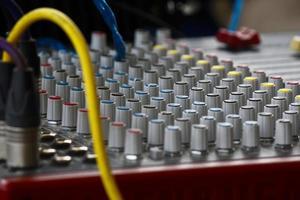 sound mixer met ondiepe dof geluidsthema's foto