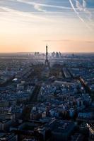 Eiffeltoren bij zonsondergang foto