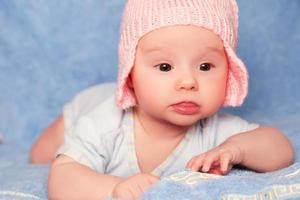 schattige pasgeboren babymeisje foto