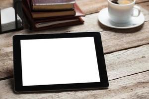 scherm van digitale tablet pc op houten tafel foto