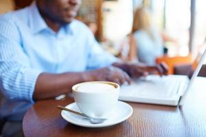koffie in café foto