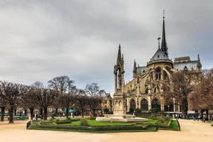 Notre-Dame achteraanzicht foto