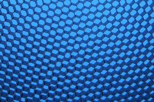 close up van zwarte net. blauw licht.