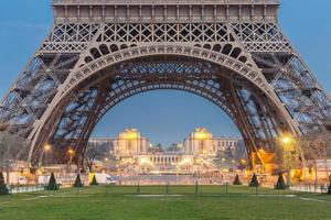 Eiffeltoren zonsopgang foto