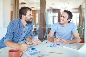zakenlieden praten foto
