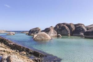 rotsen aan zee in denemarken westelijk australië foto