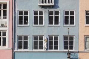 typische kleurrijke huizen in de oude stad van Kopenhagen foto