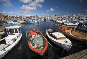 vissersboten afgemeerd foto
