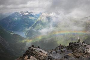 bovenop de dalsnibba noorwegen. foto