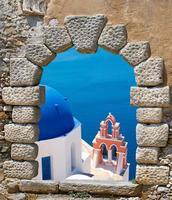 traditionele architectuur van oia dorp op santorini eiland foto