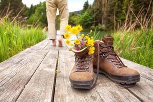 wandelaar of wandelaar maakt pauze foto
