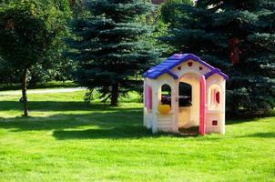 speelhuis voor kinderen foto