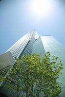 moderne wolkenkrabber foto