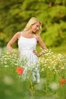 mooie zwangere vrouw foto