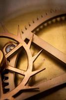 vintage klokmachine tandwiel, samenwerking, teamwerk en tijd concept foto