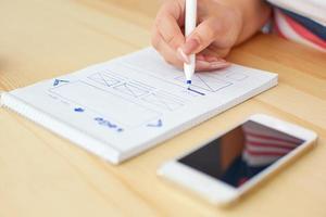vrouw schetsen webdesign foto