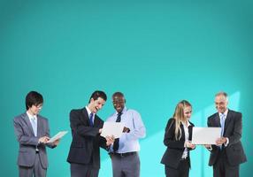 mensen uit het bedrijfsleven technologie netwerken verbinding team concept
