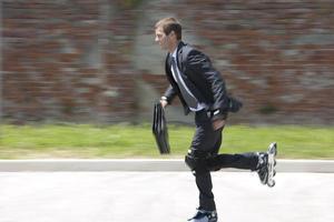 zakenman skaten foto