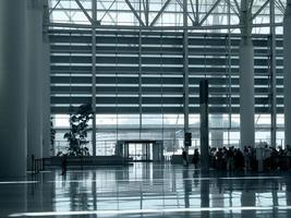 op het vliegveld foto