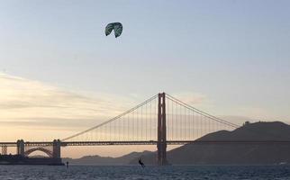 kitesurfen, de baai van San Francisco foto