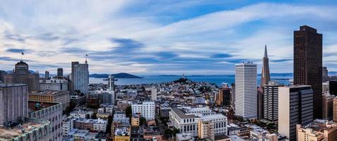 San Francisco en de baai foto