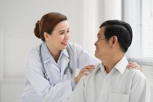 een patiënt geruststellen