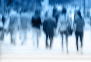 abstracte zakenmensen activiteit in de grote stad. bewegingsonscherpte. foto