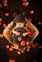 pasgeboren babyjongen foto