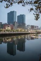 torres isozaki y pasarela calatrava. Bilbao. vizcaya. pais vasco foto