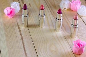 lippenstift op een tafel foto