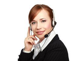 portret van een callcentermedewerker die hoofdtelefoon draagt foto