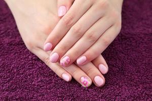 schoonheidsbehandeling van vingernagels foto