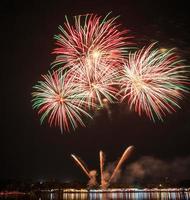 prachtig vuurwerk in de viering foto