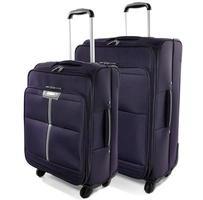 twee reiskoffers op een witte achtergrond foto