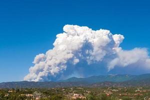 fire, sangre de cristo mountains, santa fe, new mexico, usa foto