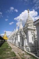 sandamuni pagode, mandalay, myanmar foto