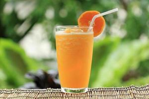 oranje smoothie foto