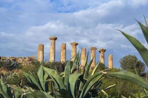 tempel van hercules, vallei van tempels, agrigento foto