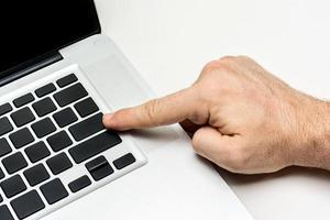 zakenman met toetsenbord foto