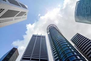 wolkenkrabbers in het financiële district van singapore foto