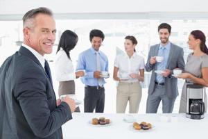 business team genieten van een drankje foto