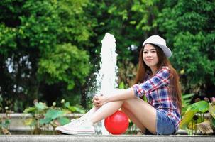 genieten in het park met de zon foto