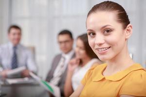 zakenvrouw tijdens de vergadering foto