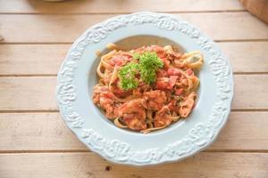 pasta in tomatensaus foto