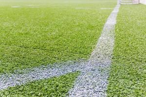 kunstgras voetbalveld in de open lucht foto