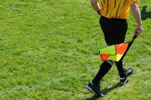 grensrechter voetbalscheidsrechter foto