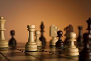 toren op schaakbord foto