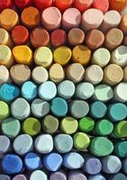 stapel verschillende pastelkleuren