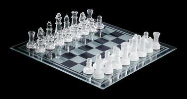 weergave van schaakstuk gerangschikt op schaakbord foto