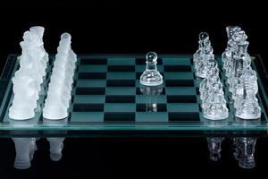 schaken eerste zet gedaan foto